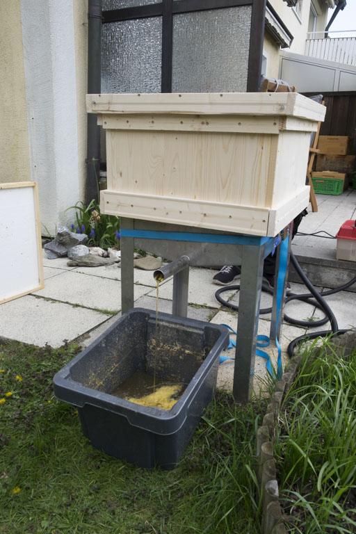 Bienenwachs schmelzen - Landshuter Honig